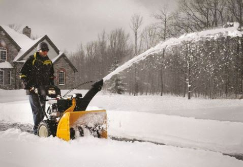 11 Best Two Stage Snow Blowers under 1000$ on the market