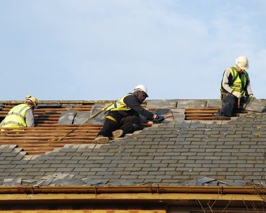 What Costs to Expect to Replace Broken Roof Tiles