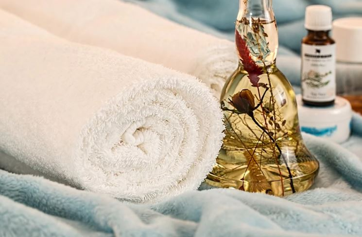 What are the Benefits of Using Massage oil.