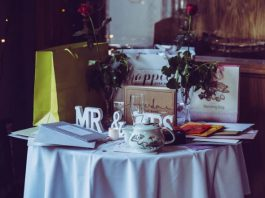 A Guide To Gift Ideas For The Whole Wedding Party