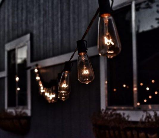 how to install outdoor light fixture.