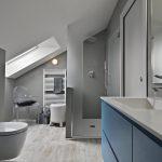 modern-bathroom-interior-F967G99-min